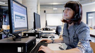 Een cursist van het Haagse ROC Mondriaan zit achter een computer tijdens een les Nederlands voor anderstaligen. Foto: ANP