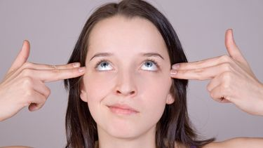 Een foto van een vrouw met stress