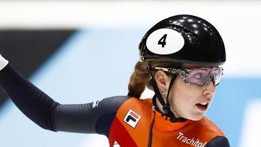 Op deze foto zie je Lara van Ruijven reageert na de 500 meter heats op de ISU World Cup Finale Shorttrack.
