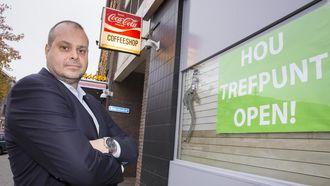 Eigenaar Ronald Maher van coffeeshop Trefpunt hoopt voor 20 november de deuren weer te kunnen openen. / VINCENT VAN DORDRECHT