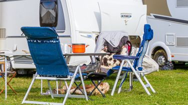 Een foto van een camping in de zomervakantie
