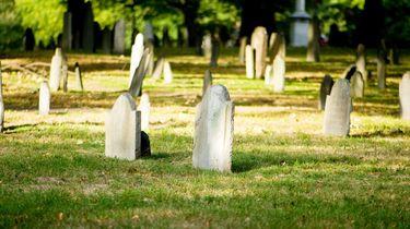foto van een kerkhof