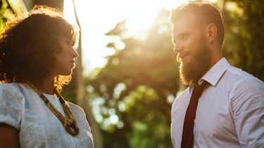 Kwart Nederlanders droomt erotisch over collega's