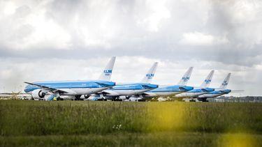 Op het vliegveld van de Roemeense hoofdstad Boekarest werd vanavond een KLM-toestel onderzocht na een bommelding.