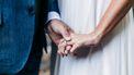 Bruiloft escaleert volledig: bruid vecht erop los, 'gasten' liggen uitgeteld op de grond