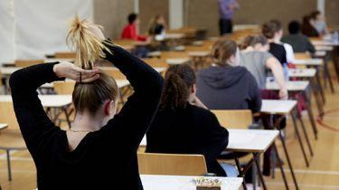 Revolutie van scholieren tegen 't huidige onderwijs