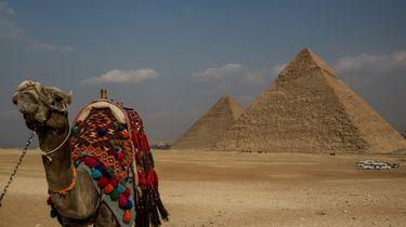 Arrestaties na naaktfoto op piramide Egypte