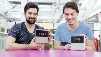 Daan Weijers (23) en Yannick Brouwer (25) willen met hun wekker mensen makkelijker in slaap krijgen. Daarvoor hebben ze wel een ton nodig via Kickstarter / VINCENT VAN DORDRECHT