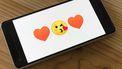 Een telefoon met emojis.