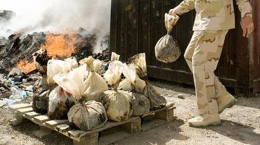 Een burnpit in de Afghaanse provincie Uruzgan.