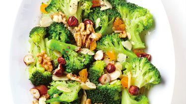 Recept: Salade van broccoli met gedroogde vruchten