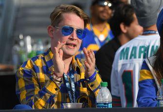 Een foto van Macaulay Culkin van Home Alone 2, als 40-jarige