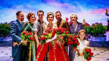 Een foto van de cast van de Albert Verlinde-musical Anastasia