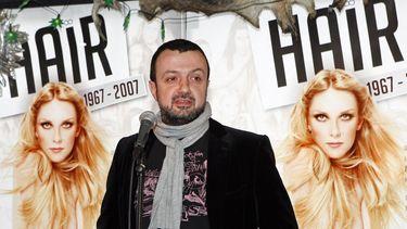 De artistiek directeur van Toneelgroep Oostpool Marcus Azzini heeft zich niet schuldig gemaakt aan grensoverschrijdend gedrag.