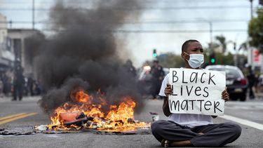 Grote mediabedrijven steunen Black Lives Matter-beweging