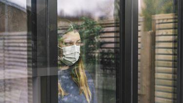 foto van vrouw in quarantaine