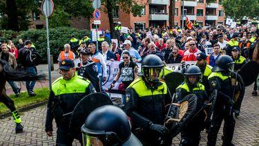 De mars van Pegida in Enschede © Jelmer Visser