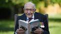 Captain Tom (100) overleden met corona, zo reageert de wereld