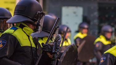 Politie evenementen coronaregels handhaven