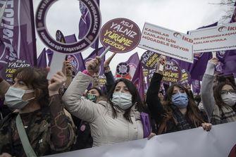 Erdogan 'houdt vrouwen tweederangsburgers' door opzeggen vrouwenrechtenverdrag