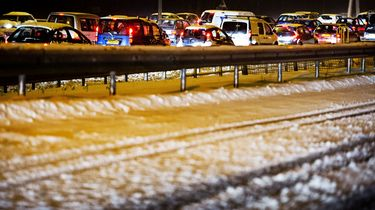 'Drie cm sneeuw zorgt voor drukke avondspits'