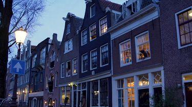 Amsterdammers zingen tegen coronavirus