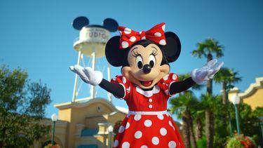 Op deze foto zie je Minnie Mouse in Disneyland Paris