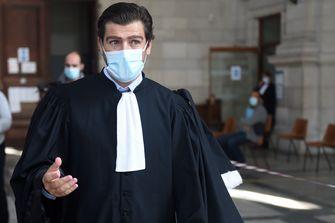 Een foto van de advocaat van de familie van het slachtoffer