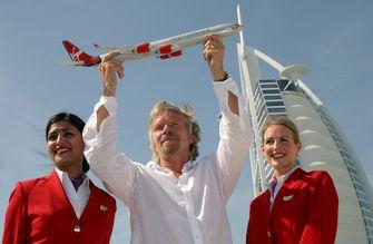 Stewardess Virgin Atlantic hoeft geen make-up op