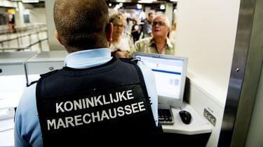 'Cyberveiligheid grenstoezicht Schiphol niet goed genoeg'