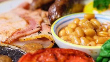 Op deze foto zie je een full English Breakfast