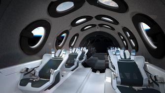 Richard Branson gaat geschiedenis schrijven met eerste toeristische vlucht naar ruimte