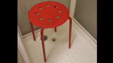 Noorse man met testikel vast in Ikea-krukje
