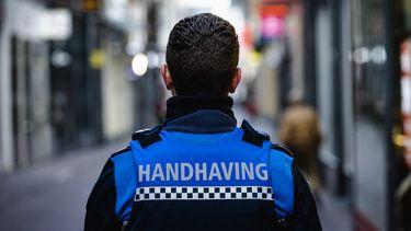 Politie: voorbereid op avondklok, boa's zijn geen fan