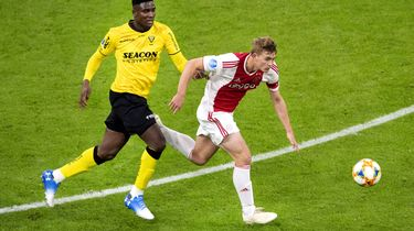 Ajax heeft het één helft lastig met VVV-Venlo