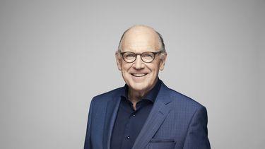 Een foto van Philip Freriks, presentator van De slimste mens