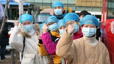 Een foto van zorgmedewerkers in de Chinese stad Shijiazhuang.