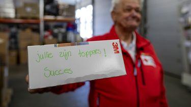 Rode Kruis deelt boodschappenkaarten uit