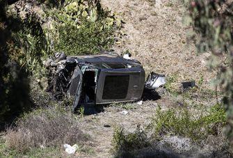 Een foto van de auto van Tiger Woods na het ongeluk
