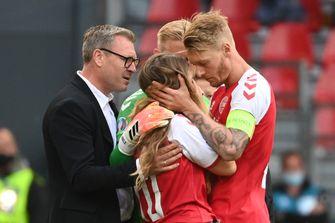 Veel lof voor Deense aanvoerder Kjaer: 'Leider pur sang en beste captain ooit'