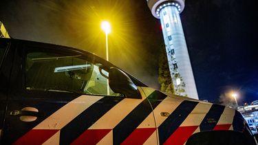 Op deze foto zie je de marechaussee op Schiphol.