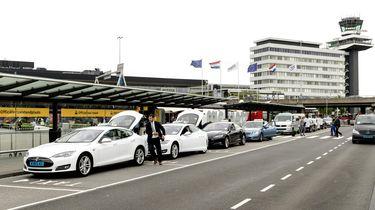 Extra maatregelen op Schiphol door dreiging