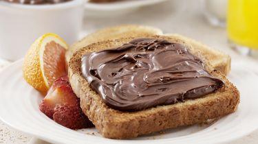Lepel in de aanslag; het is Wereld Nutelladag!