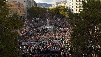 Honderdduizenden aanhangers van de Catalaanse afscheidingsbeweging gingen zaterdag in Barcelona de straat op. Foto: AFP