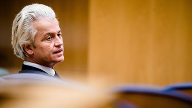 Op deze foto is PVV-leider Geert Wilders te zien.