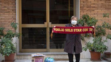 Italiaanse voetbalclub stuurt oudere fans een zorgpakket