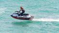 Man vaart met jetski naar vriendin op coronavrij-eiland en krijgt celstraf