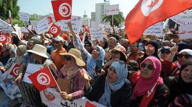 Tunesië protesteert tégen vrouwen- en homorechten