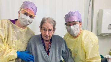 101-jarige coronapatiënte ontslagen uit ziekenhuis: 'Kranige dame'