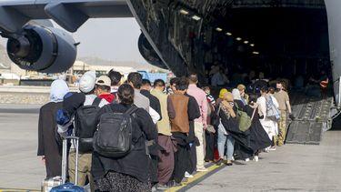 kabul, vliegveld, evacuatie, evacuatievlucht, taliban, afghanistan
